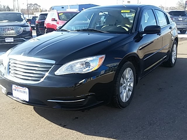 Pre-Owned 2012 Chrysler 200 LX
