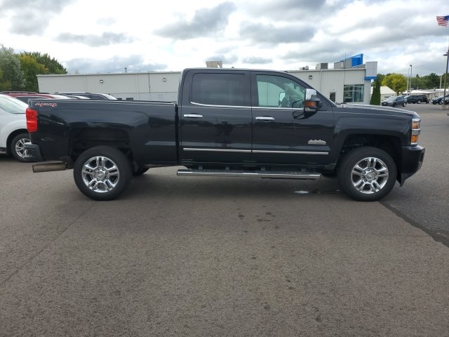 Pre-Owned 2015 Chevrolet Silverado 2500HD High Country