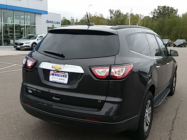Pre-Owned 2017 Chevrolet Traverse 2LT