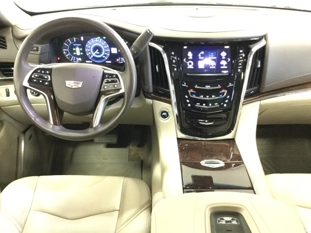 Pre-Owned 2016 Cadillac Escalade Luxury